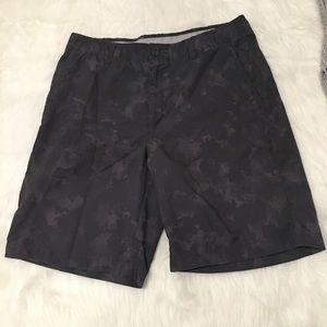 Greg Norman Gray Camo Flat Front Golf Shorts